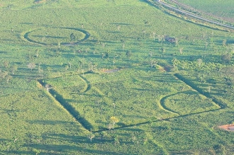 Amazon earthworks courtesy of Diego Gurgel